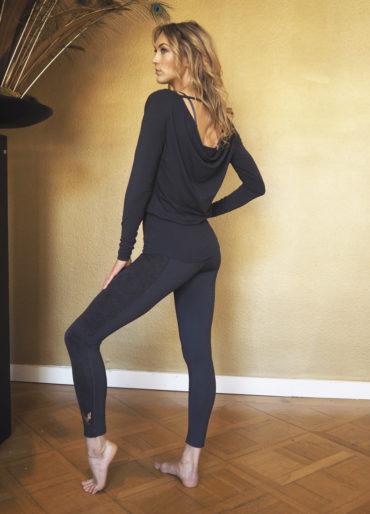 yoga longsleeve top aditi side view