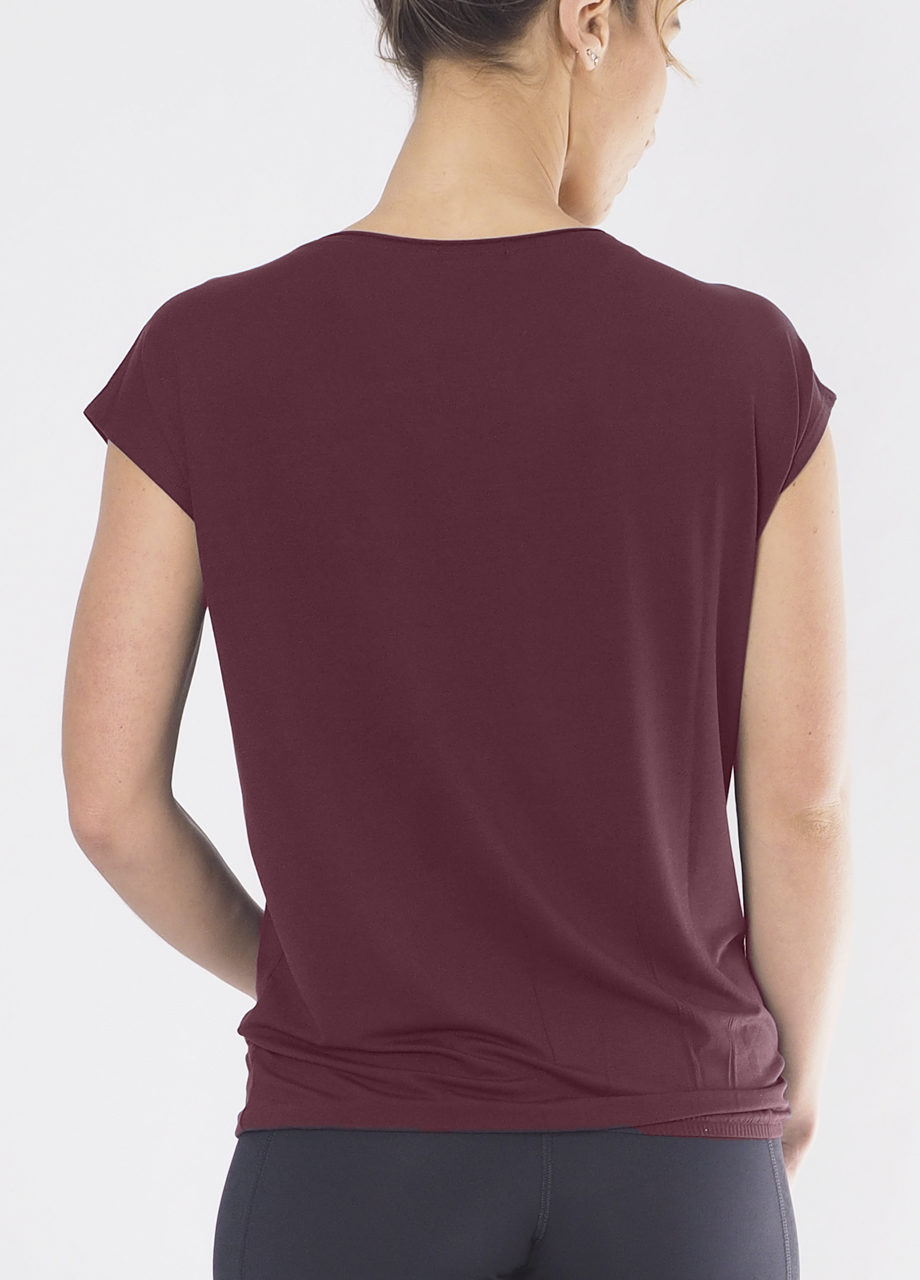 Kismet Varuna Tee back view mystic red