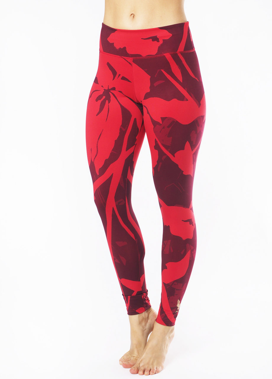 Kismet Yoga shape Leggings Devi magic flower front view on model